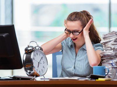 Woman businesswoman failing to meet her deadlines