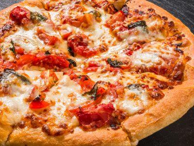 Pizza Margherita Basilico