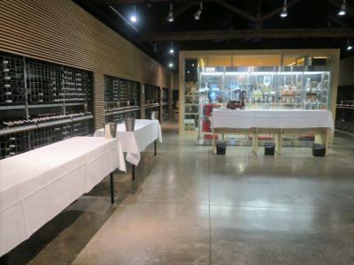 こちらは、中心からちょっと離れたエリアのワイン専門店