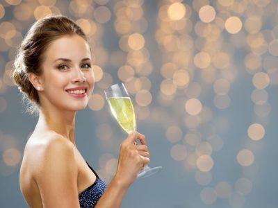 育ちの良い女性が知っている「上品な乾杯」の仕方【オトナの常識#7 ...